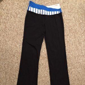 Lululemon size 4 flared yoga pants